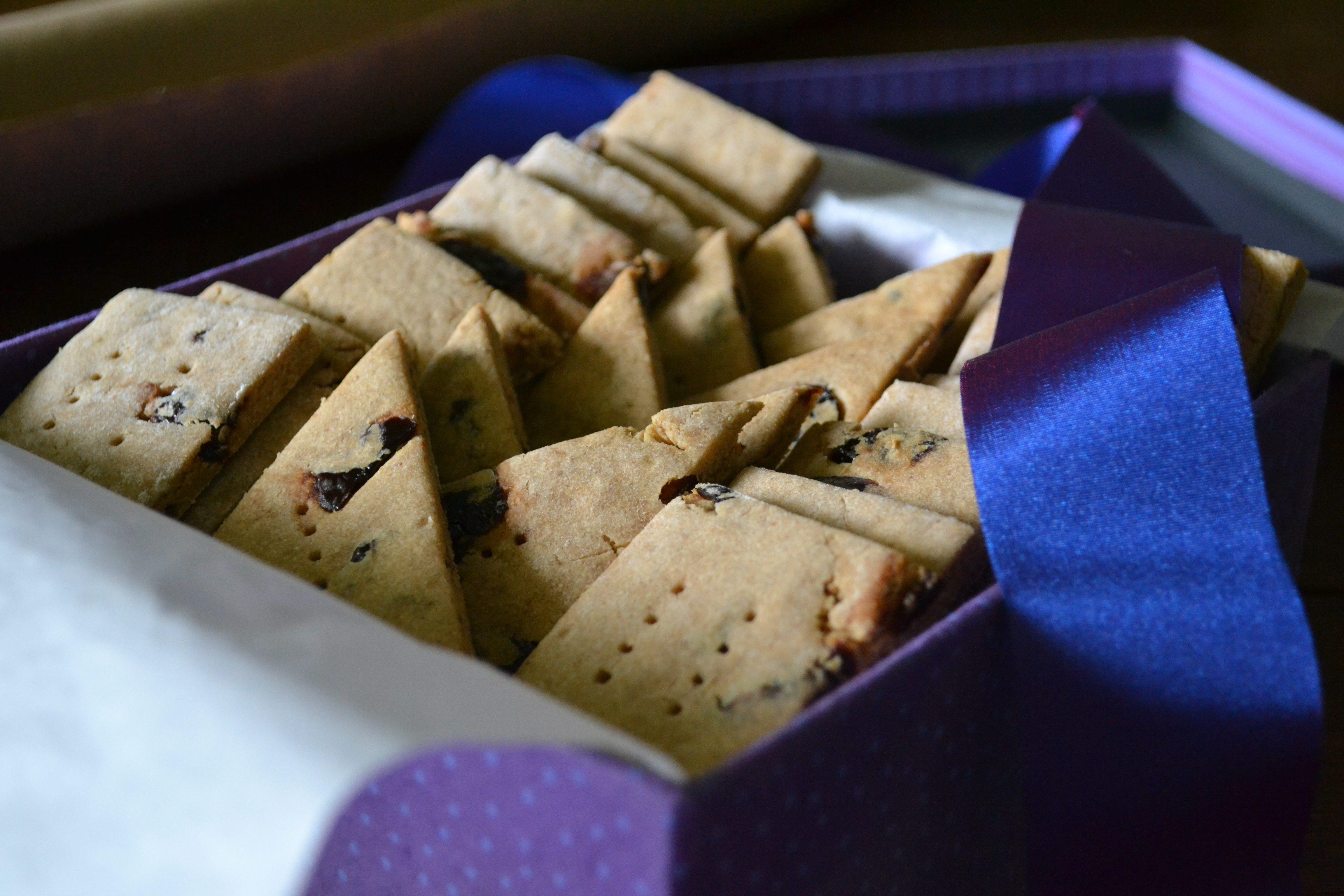 Cookies in Box, Ribbon