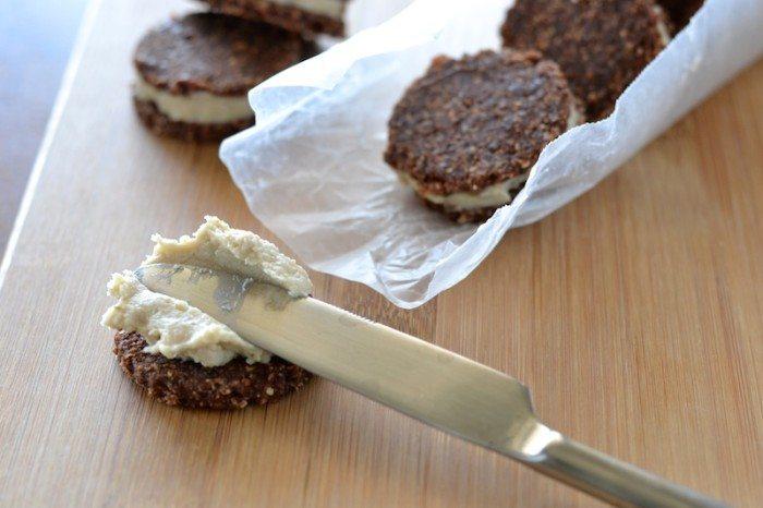 Raw Chocolate Cream Cookies An Unrefined Vegan