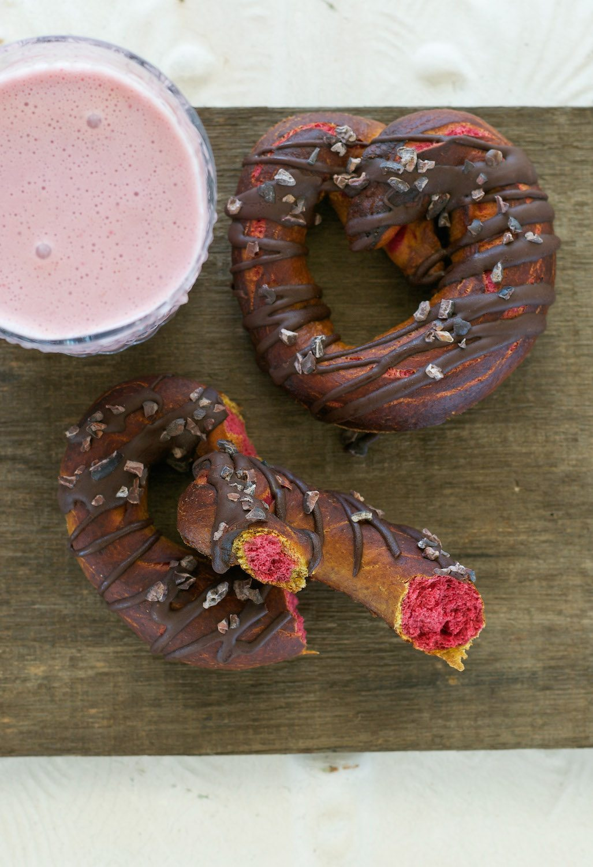 Valentine Beet Pretzels w Sea Salt & Cacao Nibs An Unrefined Vegan