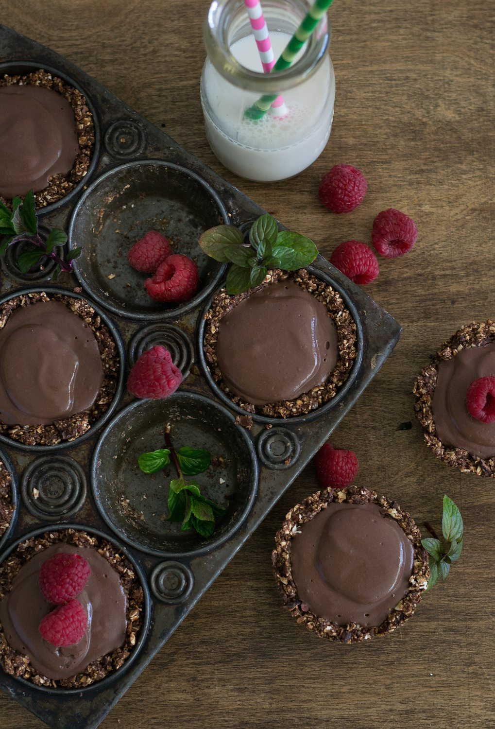 Sugar-free Mini Chocolate Mint Pudding Pies by An Unrefined Vegan